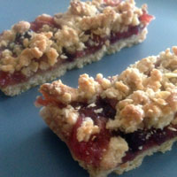 How to make Fruity Oaty Bars from Firefly | CookFiction.com