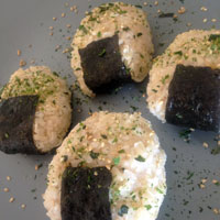 How to make Onigiri from Pokémon | CookFiction.com