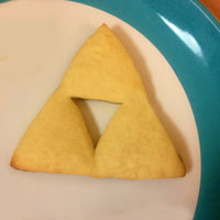 How to make Triforce Sugar Cookies from The Legend of Zelda | CookFiction.com